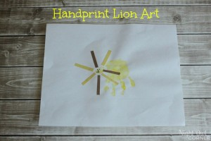 Handprint Lion Art_IMG_3483