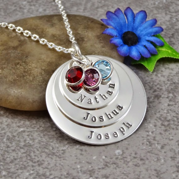 http://www.whilehewasnapping.com/wp-content/uploads/2014/05/Small-Personalized-Necklace1.jpg
