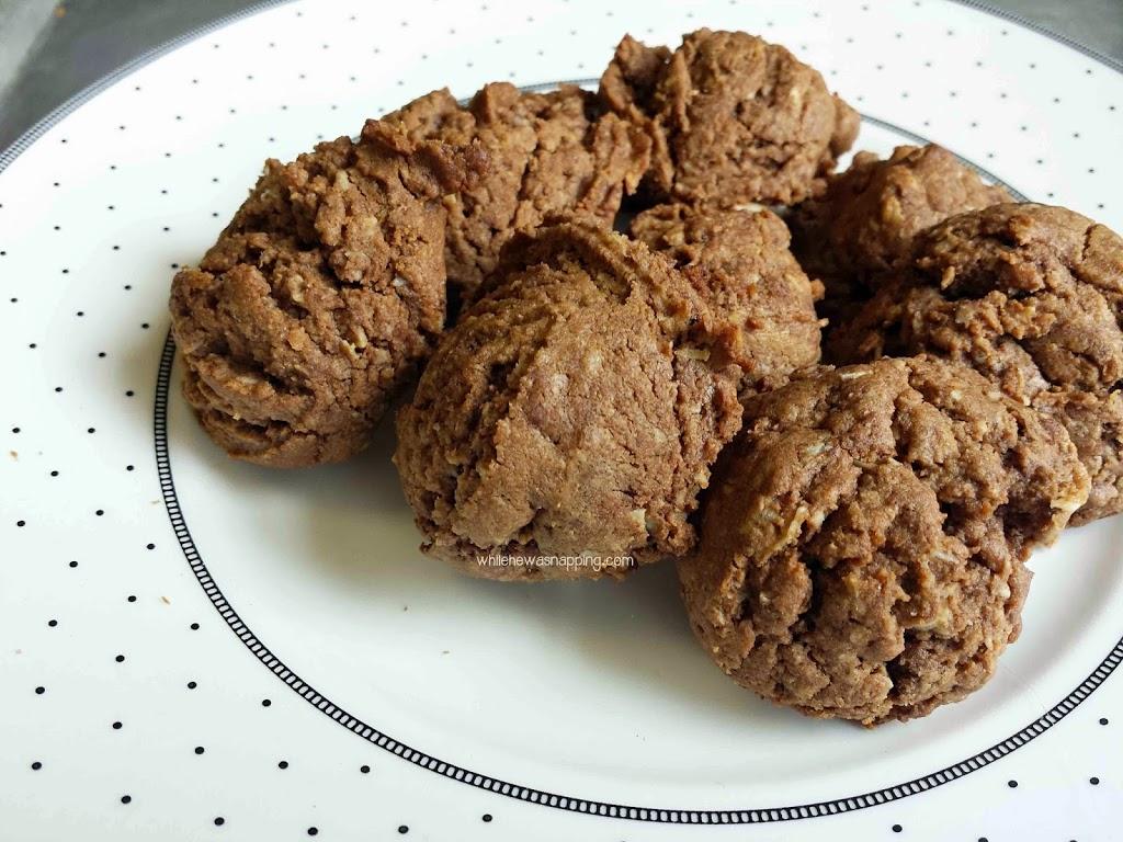 Peanut Butter Chocolate Oatmeal Cookies Recipe — Dishmaps
