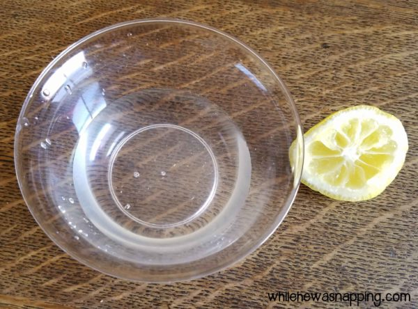 DIY Natural Disinfectant Wipes with Vinegar and Lemon